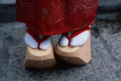 日本女性与鞋:摇曳生姿的木屐