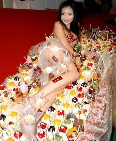 com 不伦不类的台版女体盛