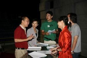 罗安/罗安,2007教师节特别节目《奠基》的总导演。因为是学艺术的,...