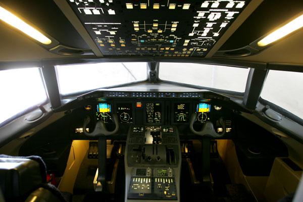 CCTV-ARJ21飞机下线--中国大飞机之梦